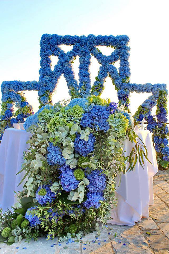 Hydrangea table runner, floral arch